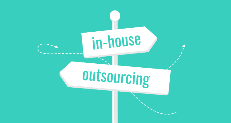 in-house vs outsourcing software development
